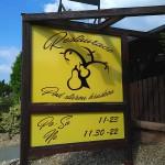 Reklamní cedule restaurace Pod starou hruškou