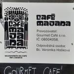 Reklamní cedule Café Majada v Brně
